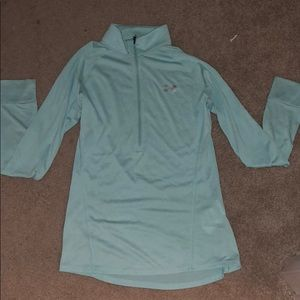 Under armor pull over - S